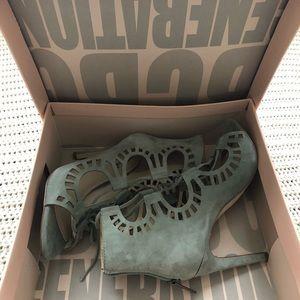 BCBG sandals size 6